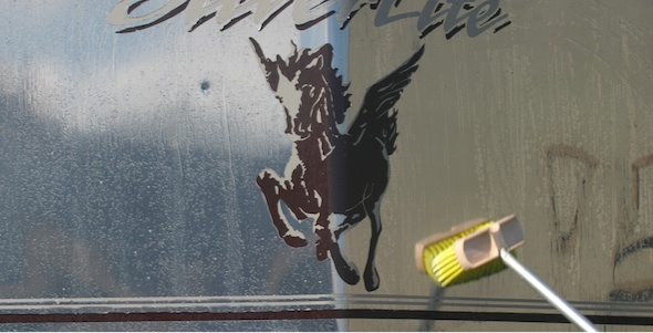 Cleaning the Silverlite horse trailer with Silver BritePlus MX